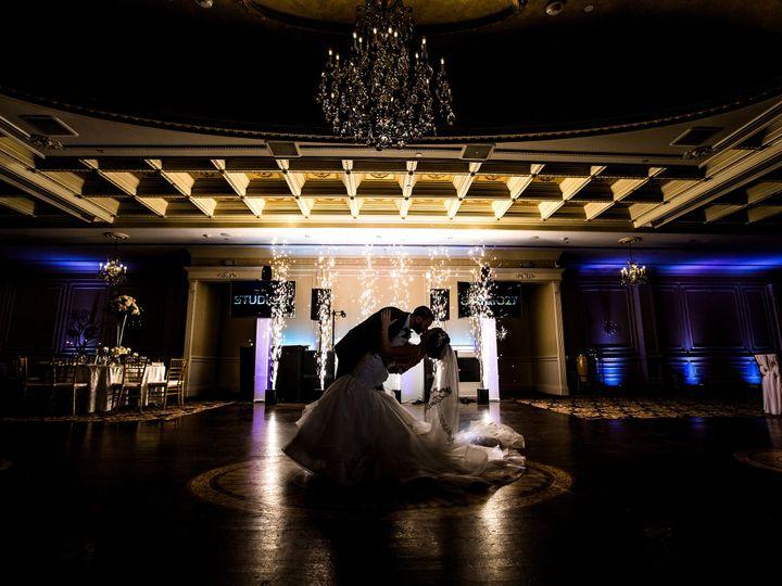 Tmx 1518817378 Ce877fc88928ae77 1518817376 7de5388c03951e0e 1518817374507 53 FE1B0708 3 Massapequa, NY wedding photography