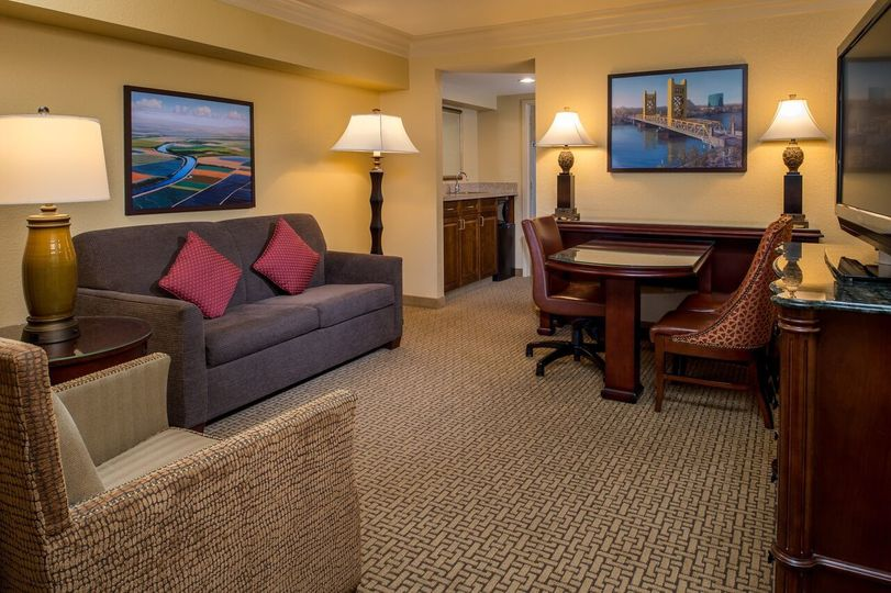Embassy Suites by Hilton Sacramento Riverfront Promenade room