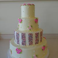 Wedding cake with pink notes