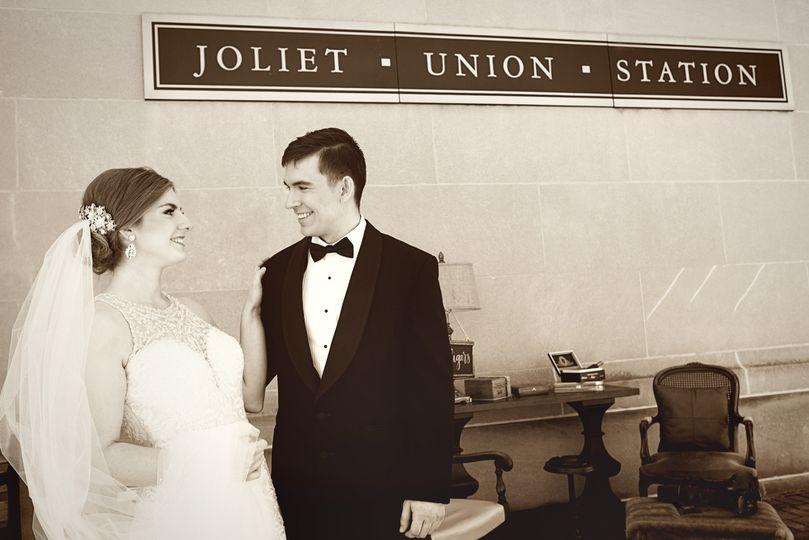 Newlyweds in classic wedding attire