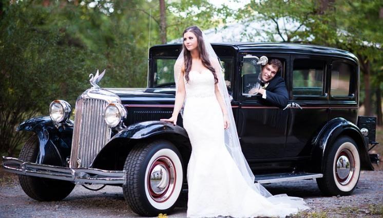 Newlyweds vintage car