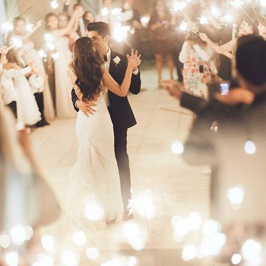 26b2b1a341cafccde3896ca2b4939f9b romantic wedding