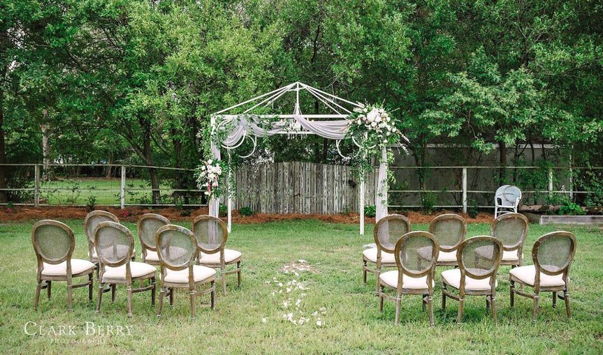 Movable pergola for ceremony