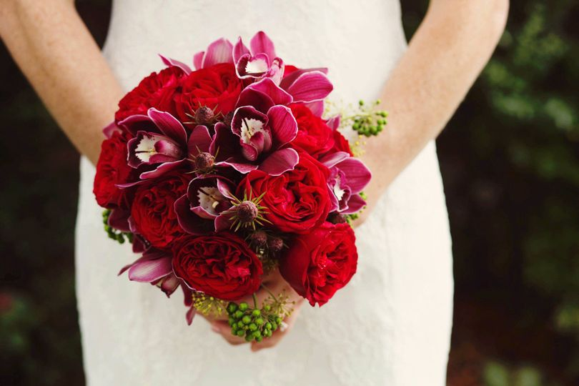 red bouquet roses orchid