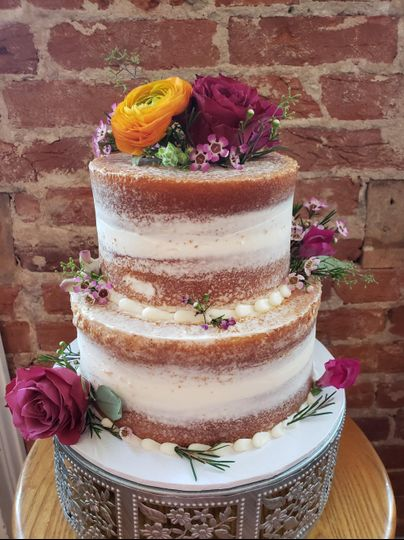Naked cakes with fresh floral