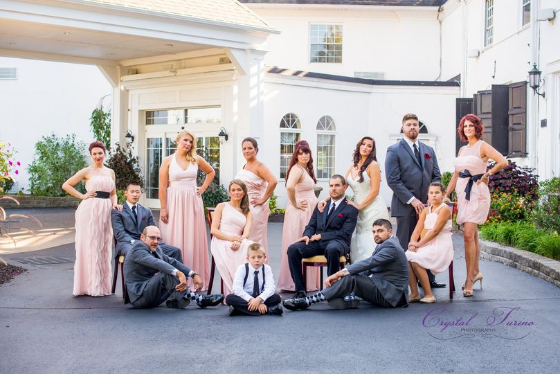 glen sanders mansion bridal party photo