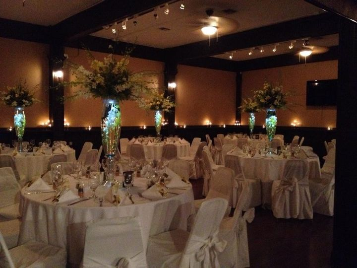 Illuminated floral centerpieces