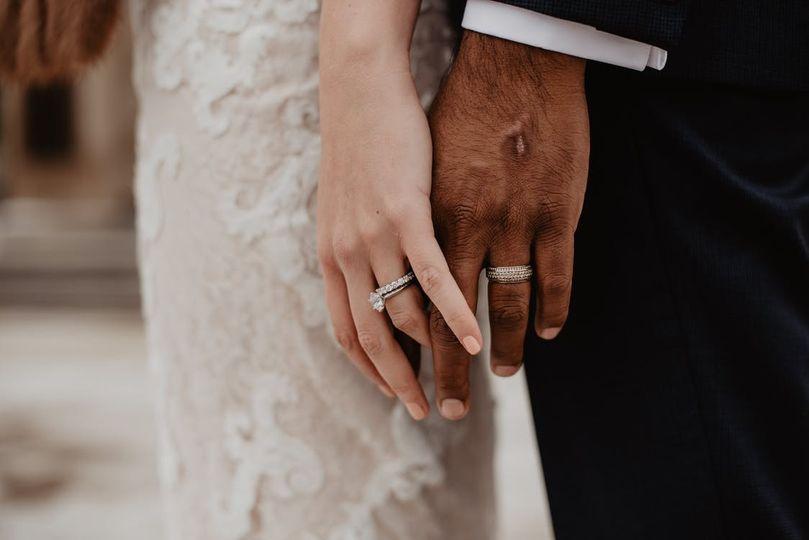 The wedding rings - The Dove Weddings