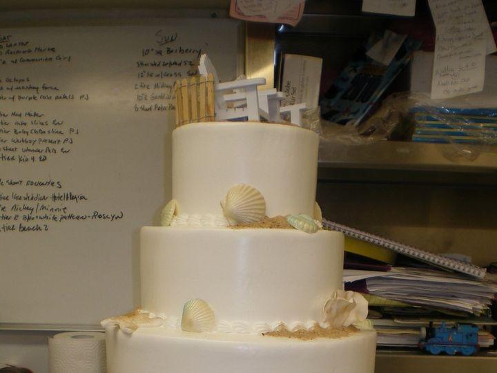 Tmx 1342367386213 BeachWeddingCake2.jpg Port Jefferson, New York wedding cake