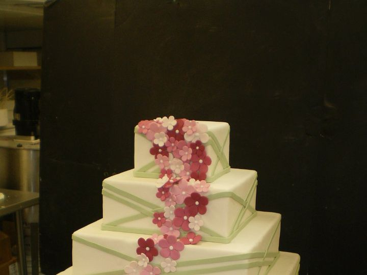 Tmx 1342367418154 CreshollowSample14.jpg Port Jefferson, New York wedding cake