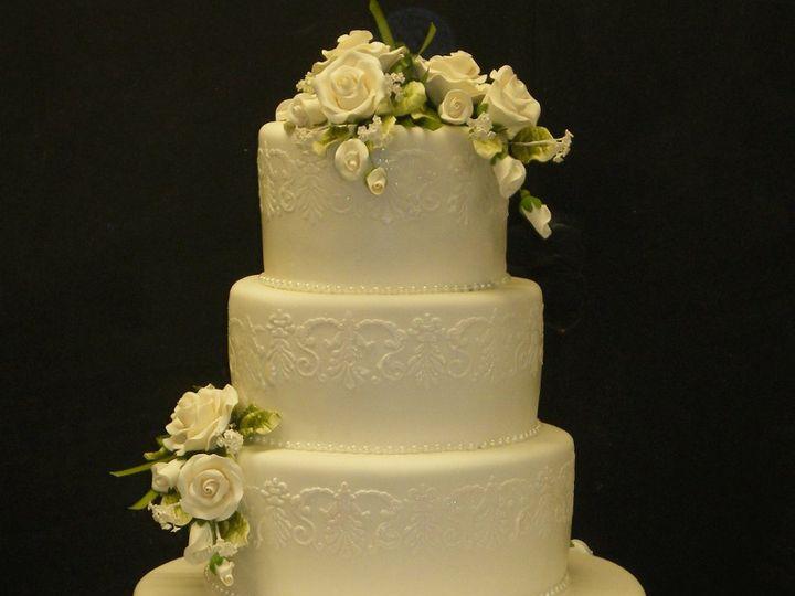 Tmx 1342367564274 GlitterStencilRoses.jpg Port Jefferson, New York wedding cake