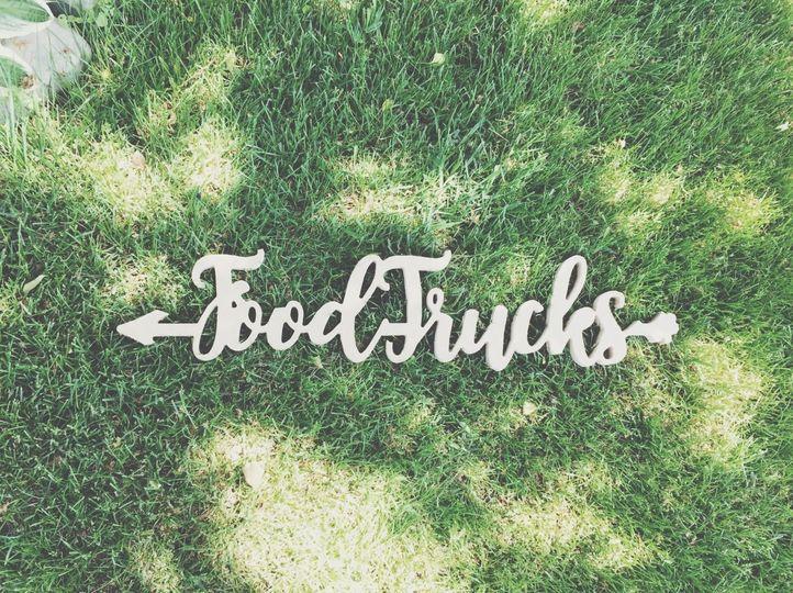 968cd2fa0aa61b8f wedding food truck sign