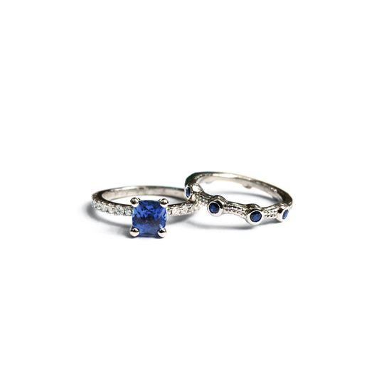 14k white gold wedding set, set with diamond and blue sapphire.