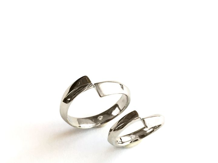 Tmx 1515788192 E697cf819f7af14b 1515788190 Cc684a76e893b03e 1515788190318 18 IMG 2210 Raleigh, North Carolina wedding jewelry