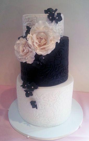 3-tier cake with black tier