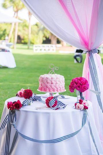 Rose piping cake
