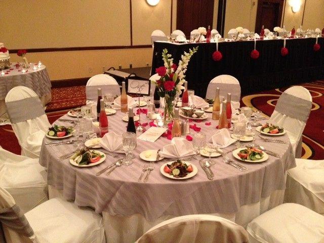 wedding table silver strip overla