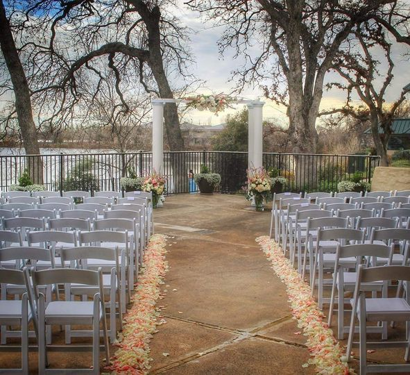 Beautiful ceremony at Lakeside Pavilion, Florals by Cambray Rose