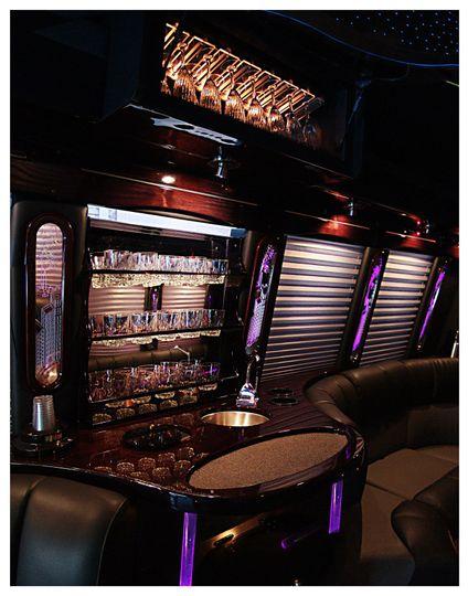 bar1top night interior