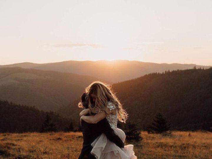Tmx Mountain Wedding Hug 51 555277 157593922897880 Everett, Washington wedding dress