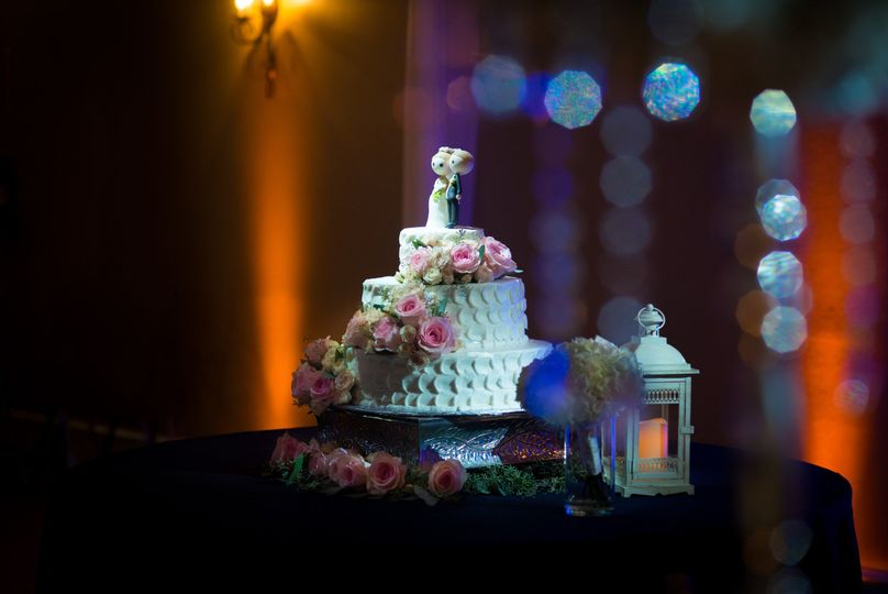Pin Spot for cake table