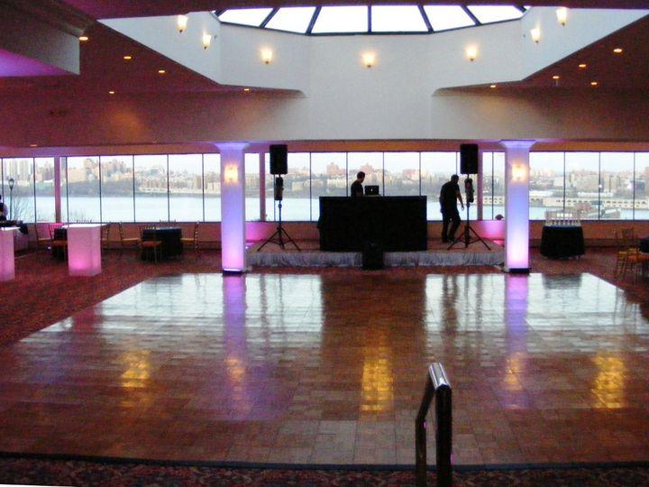 Tmx 1347556829078 April2011059 Cliffside Park, New Jersey wedding venue