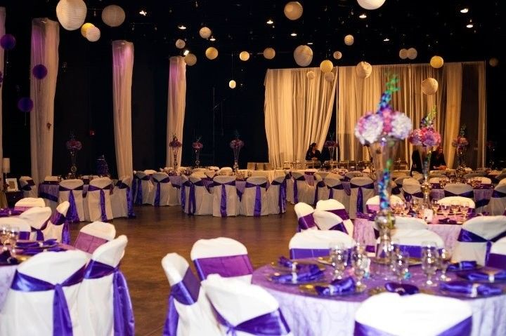White and purple table setup