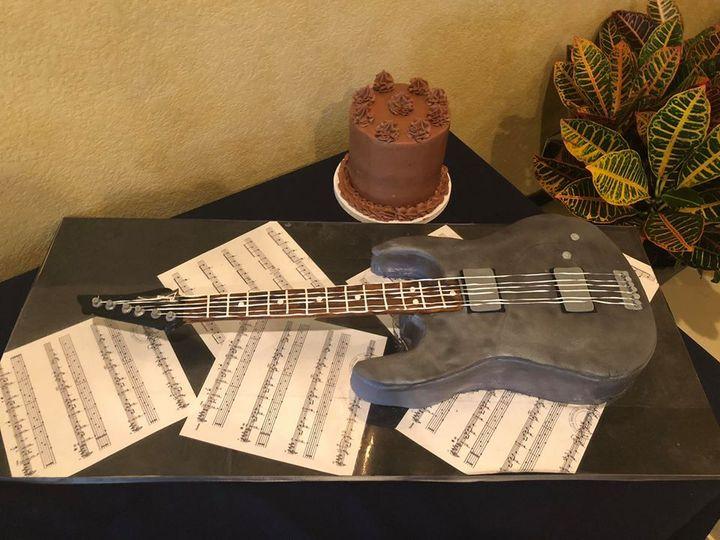 Tmx Guitar Groom 51 1003377 V1 Desoto, TX wedding cake