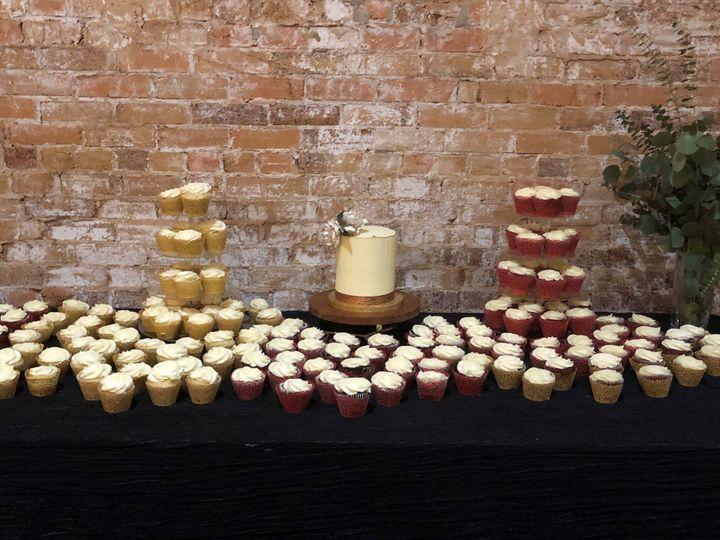 Tmx Red And Gold Wedding 4 51 1003377 1556020197 Desoto, TX wedding cake