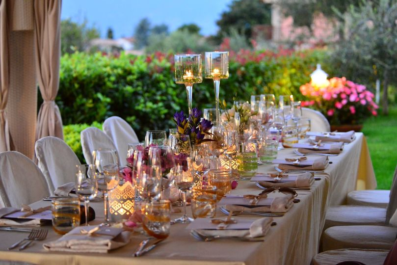 Candlelit table and floral decor