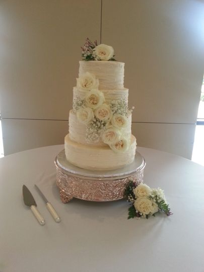 Textured Buttercream and White Roses at The Woodlands United Methodist Church in The Woodlands TX
