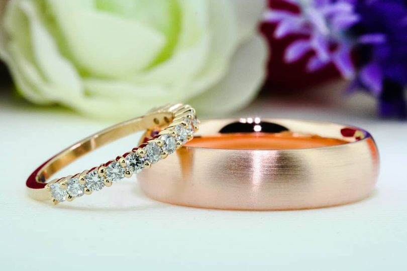 Customize your wedding rings!