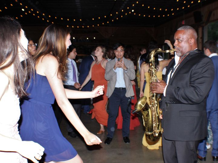 Tmx Chuck The Ladies 51 1028377 1570300767 Hudson, Massachusetts wedding band