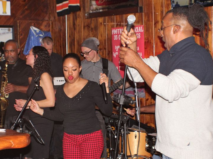 Tmx Michelle Has Some Moves 51 1028377 Hudson, Massachusetts wedding band