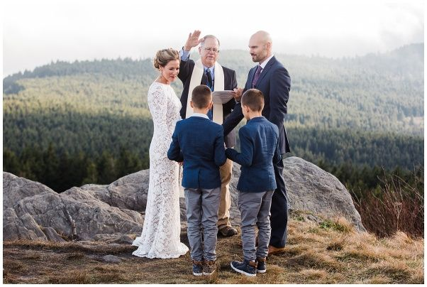 Tmx Elope Outdoors Photography 5389pp W602 H404 51 1158377 159716253197576 Asheville, NC wedding officiant