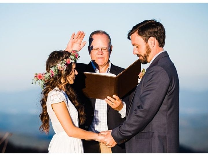 Tmx Img 0492 51 1158377 160245959541276 Asheville, NC wedding officiant