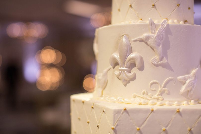 Nola-themed wedding cake