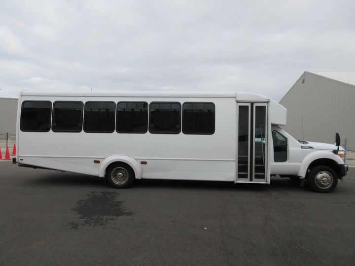 Mini Coach 32 passenger