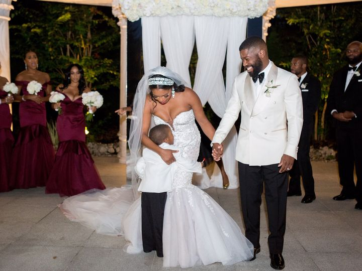 Tmx Wed 11 51 16477 Drexel Hill, PA wedding dress