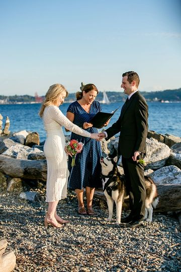 Add your pooch to your nuptial