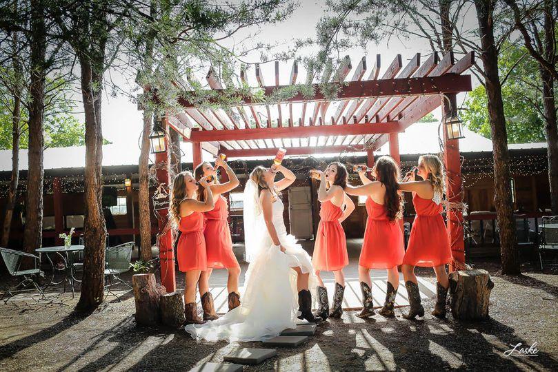 1b9937eeb652f86f 1530132258 bfd53c15feec2a50 1530132565128 59 Oklahoma Wedding