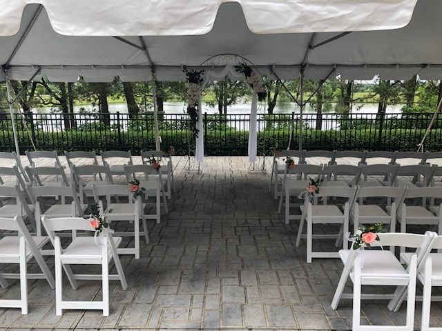 Outdoor ceremony flowers