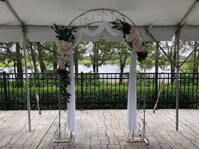 Tmx Arch 51 1898477 157687549521648 Carmel, IN wedding florist