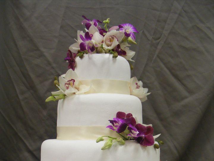 Tmx 1490393376147 08 15 09 024 Braintree, Massachusetts wedding cake