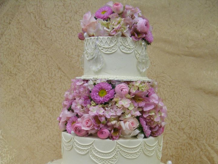 Tmx 1490393395646 09 04 09 112 Braintree, Massachusetts wedding cake