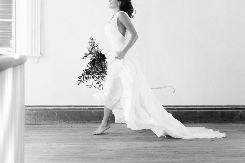 1edaab0b13f8b724 1486657624078 whitedresses bridal 37