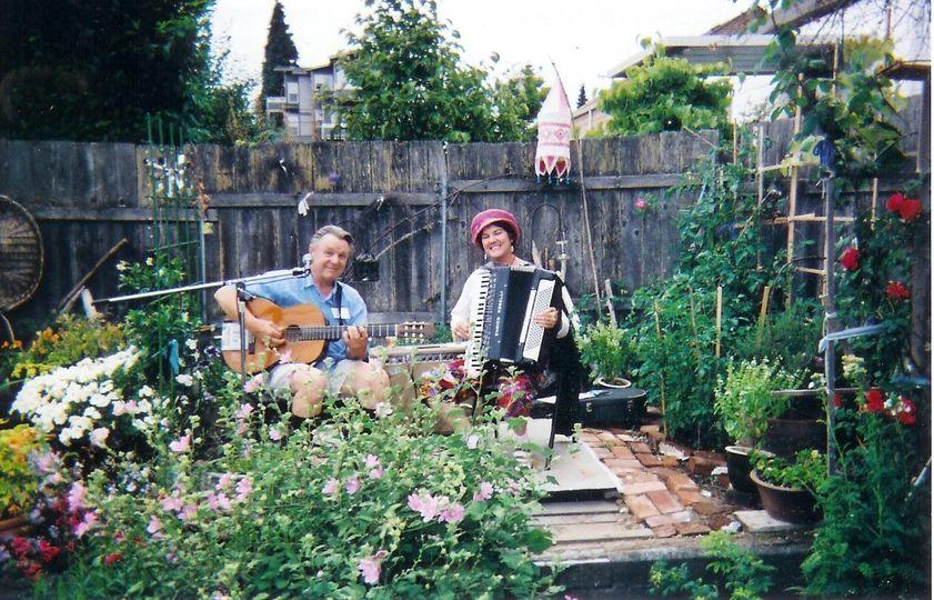 Duo Garden party reception