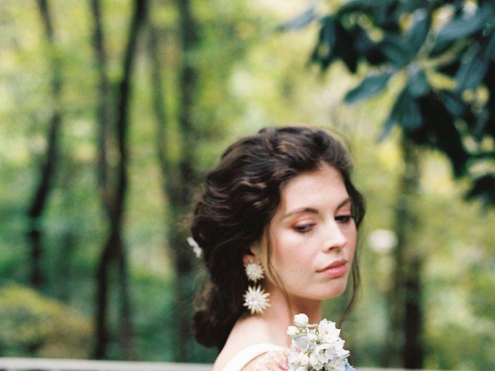 Tmx Img 4583 51 1923677 158196526732819 Knoxville, TN wedding florist