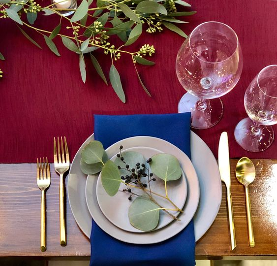Riedel pinot and gold flatware