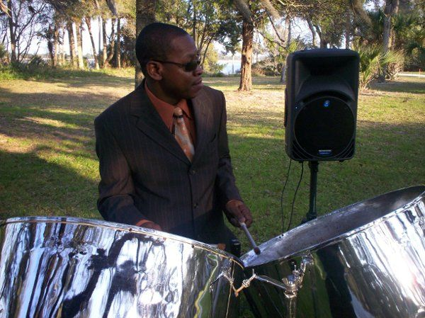 Steel Drum Band RythmTrail   www.rythmtrail.com  Tel: 866 495 4522  Our Steel Drum Players performs...